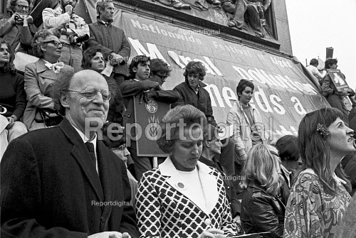 The Nationwide Festival of Light, Trafalgar Square, London, with Lord Longford (L) and Mary Whitehouse (L) 1971 - Martin Mayer - 1971-09-25