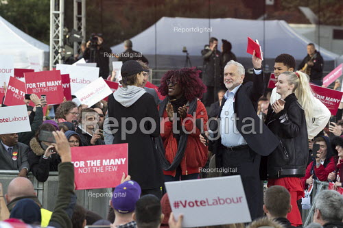 Jeremy Corbyn speaking to Labour Party general election campaign rally Birmingham - John Harris - 2017-06-06