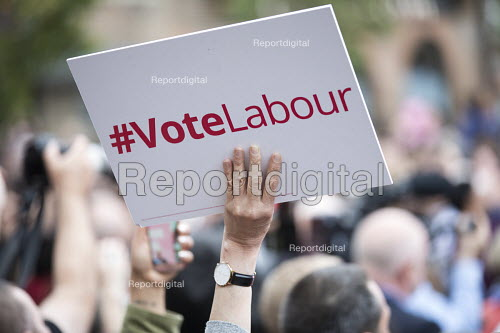 Jeremy Corbyn Labour Party rally on the last day of campaigning before the General Election, Harrow, London - Jess Hurd - 2017-06-07