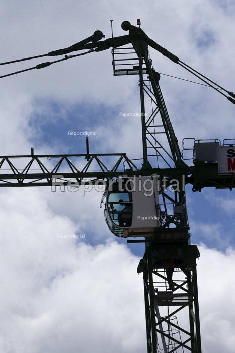Worker climbing a crane, Sir Robert McAlpine construction site, Birmingham city centre. - John Harris - 2017-06-09