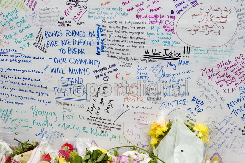 Wall of condolence a few hundred metres from the Grenfell Tower fire filled with messages of love and solidarity in memory of the victims of the tragedy, London - Stefano Cagnoni - 2017-06-16