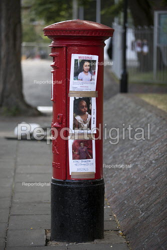 Missing posters for the victims Grenfell Tower Fire, West London. - Jess Hurd - 2017-06-22
