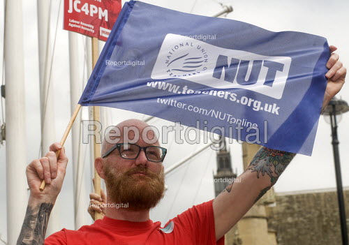 NUT supporter of Jeremy Corbyn at the rally, Not One Day More protest demanding the Tory Government go and an end to austerity policies - Stefano Cagnoni - 2017-07-01