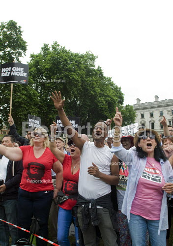 Corbyn supporters, Not One Day More protest demanding the Tory Government go and an end to austerity policies - Stefano Cagnoni - 2017-07-01