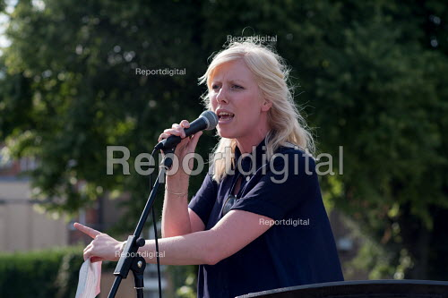 NUT member Megan Quinn speaking at a Camden NUT rally to oppose cuts to school funding, Kentish Town, London - Philip Wolmuth - 2017-07-04