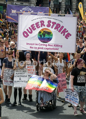 Pride 2017. LGBTQ for Corbyn supporters at Gay Pride celebration and march London. Queer Strike - Stefano Cagnoni - 2017-07-08