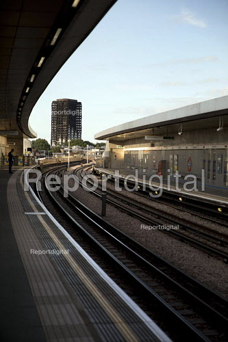 Grenfell Tower after the fire, underground station, West London. - Jess Hurd - 2017-07-12