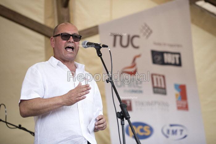Steve Turner, UNITE speaking Tolpuddle Martyrs Festival, Dorset. - Jess Hurd - 2017-07-16