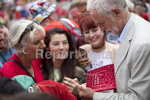 Jeremy Corbyn signing copies of the Labour manifesto, Tolpuddle Martyrs Festival, Dorset - Jess Hurd - 2017-07-16