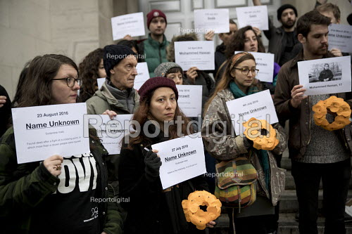 LGSM protest Rememberance Day laying wreaths at the Cenotaph representing the 17 migrants who have died everyday in 2017. Whitehall, London. Lesbian and Gays Support the Migrants - Jess Hurd - 2017-11-11