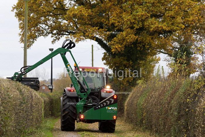 Tractor hedge cutting, Warwickshire - John Harris - 2017-11-16