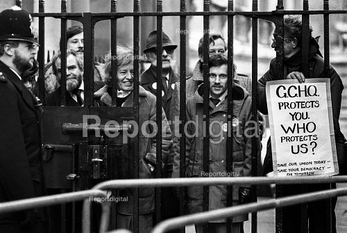 London 1984 Union members from GCHQ protest at Downing Street, Day of Action in support of their union rights after the Goverment ban on membership - NLA - 1984-02-23