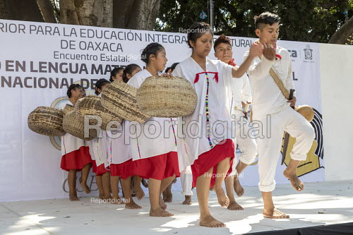 Oaxaca, Mexico Mixtec group performing a traditional harvest dance. Indigenous community celebrating The International Day of The Mother Tongue. The day is dedicated to the protection of native languages around the world - Jim West - 2018-02-20