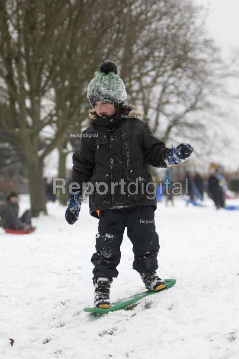 Sledging in St Andrews Park, Bristol - Paul Box - 2018-03-02