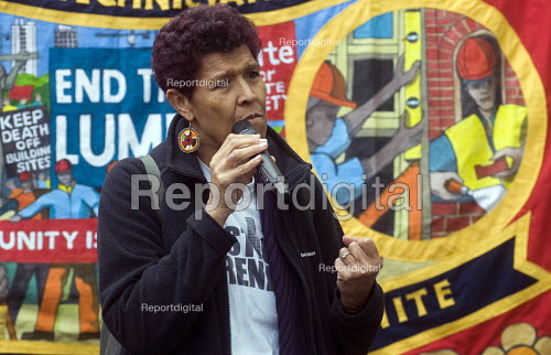Workers Memorial Day commemoration Tower Hill London 2018. Moyra Samuels speaking, Justice for Grenfell Campaign. Annual event to protest against and commemorate lives lost and injuries sustained in the workplace as a result of unsafe conditions at work - Stefano Cagnoni - 2018-04-28