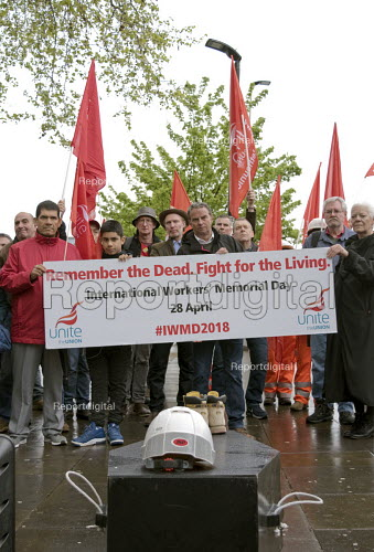 International Workers Memorial Day commemoration Tower Hill London 2018. Annual event to protest against and commemorate lives lost and injuries sustained in the workplace as a result of unsafe conditions at work - Stefano Cagnoni - 2018-03-21