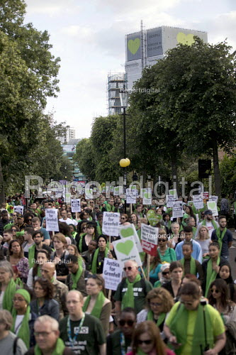 Silent march in memory of the victims of Grenfell Tower fire on the first anniversary, Kensington, London - Jess Hurd - 2018-06-14