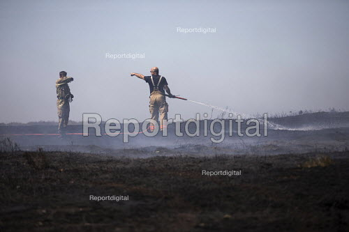 Soldiers and firefighters deployed to Saddleworth Moor fire, Stalybridge, Derbyshire - Jess Hurd - 2018-06-28
