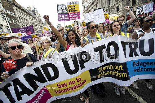 Anti fascists counter protest against pro Trump and Tommy Robinson protest, Whitehall, London - Jess Hurd - 2018-07-14