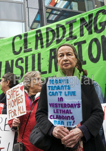 Safe Cladding and Insulation Now protest, MHCLG, London. Following the Grenfell tragedy, protest demanding safe cladding for housing and public sector buildings and proper insulation from the cold for tenants - Stefano Cagnoni - 2018-10-17
