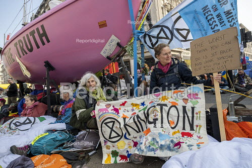 Extinction Rebellion protest, Oxford Circus against lack of government action on climate change. Nonviolent direct action blocking London - Jess Hurd - 2019-04-17