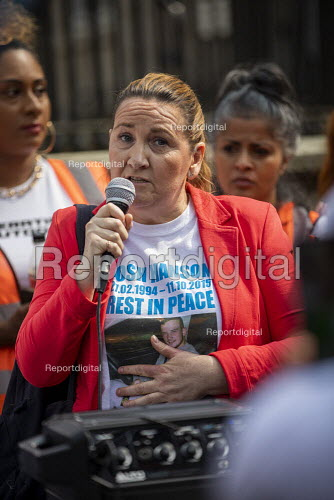 Operation Shutdown, Stop The Violence, end knife crime protest, Westminster Bridge, London. Tracey Hanson, mother of Joshua Hanson - Jess Hurd - 2019-04-17