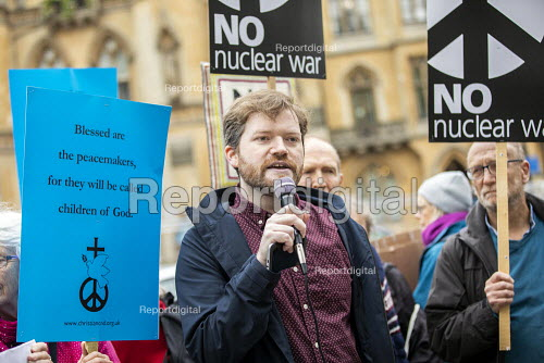 Ian Chamberlain, CND speaking, CND Anti nuclear war protest Westminster Abbey, London. 500 people took part in a CND protest and Christian CND vigil outside Westminster Abbey to oppose a thanksgiving service to mark 50 years of Britain's Continuous At Sea Nuclear Deterrent - Jess Hurd - 2019-05-03