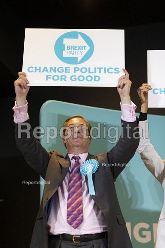Nigel Farage speaking, Brexit Party rally, Willenhall, Wolverhampton - John Harris - 2019-05-17