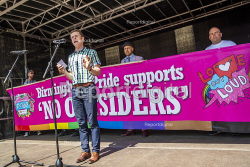 Conservative Mayor Andy Street supporting Andrew Moffat, assistant head teacher at Parkfield Community School and pioneer of the controvercial No Outsiders programme, Birmingham Gay Pride. - Jess Hurd - 2019-05-25