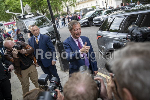 Nigel Farage arriving for a Brexit Party victory press conference European Elections, London - Jess Hurd - 2019-05-27