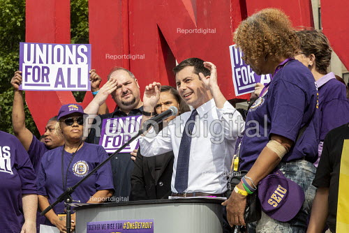 Detroit, Michigan USA Democratic Presidential candidate Pete Buttiegieg speaking, SEIU Security guards rally at the Labor Legacy Monument for union recognition at downtown buildings owned by businessman Dan Gilbert - Jim West - 2019-07-31