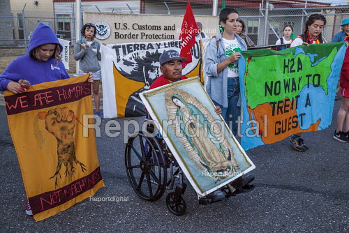 Bellington, USA, Community2Community and Familias Unidas por la Justicia protest the H2-A guestworker program and the death of Honesto Silva, on the anniversary of his death two years ago - David Bacon - 2019-08-04