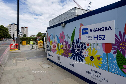 Costain Skanska hoarding, Euston, london around a demolition and construction site for the London terminal of the HS2 high speed train line - Philip Wolmuth - 2019-08-30