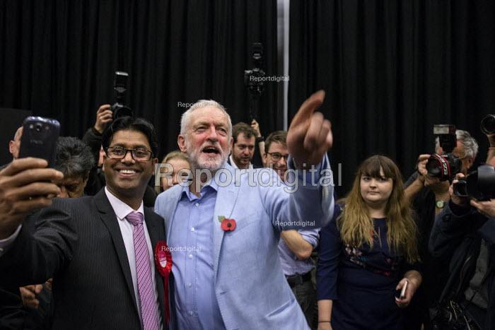 Jeremy Corbyn speaking Labour Party Election Campaign Rally, Swindon - John Harris - 2019-11-02