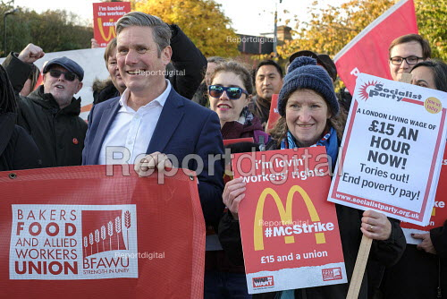 Keir Starmer, McDonalds workers on strike over low pay, picket Wandsworth Town branch, London - Philip Wolmuth - 2019-11-12