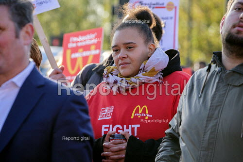 McDonalds workers on strike over low pay, picket Wandsworth Town branch, London - Philip Wolmuth - 2019-11-12