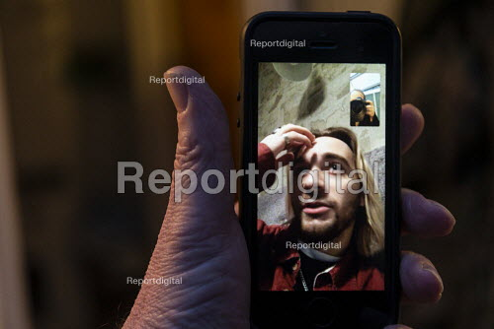 Facetime call on mobile phone - John Harris - 2019-11-14