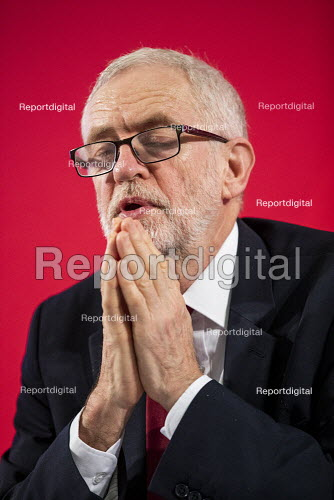 Jeremy Corbyn revealing the secret UK-US Trade & Investment Working Group report, previously redacted, detailing the proposed NHS sell off in and trade negotiations, Westminster election press conference, London. - Jess Hurd - 2019-11-27