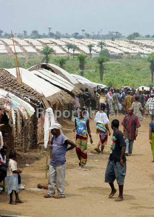 General view in the Blamassee IDP camp, outside of Monrovia, December 2002. - Boris Heger - 2002-12-21