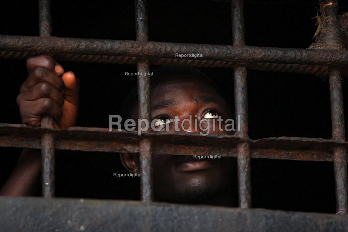 A detainee at the central prison of Monrovia, Liberia, February 2006. - Boris Heger - 2006-03-02