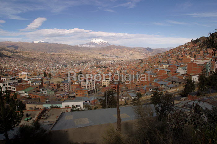 View of the slums surrounding the highest capital in the world, La Paz, Bolivia, August 2004 - Boris Heger - 2006-08-29