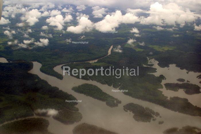 Aerial view of the remote jungle, bordering Colombia. Darien region, Panama, August 2004. - Boris Heger - 2006-08-25