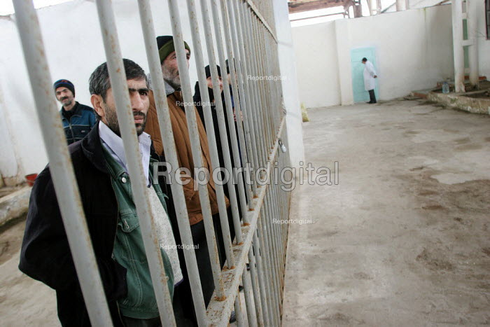 Cellmates in a special institution for detainees having tuberculosis, Baku, Azerbaidjan, March 2005. This disease is widespread in jails of the Caucasus region. - Boris Heger - 2005-03-14
