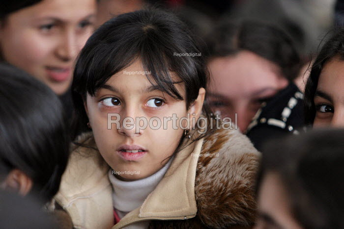 Girl at school, Khachmaz, Azerbaidjan, March 2005. - Boris Heger - 2005-03-15