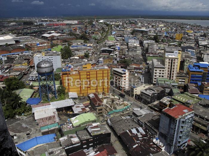 A general view of Buenaventura, Colombia. - Boris Heger - 2011-04-06