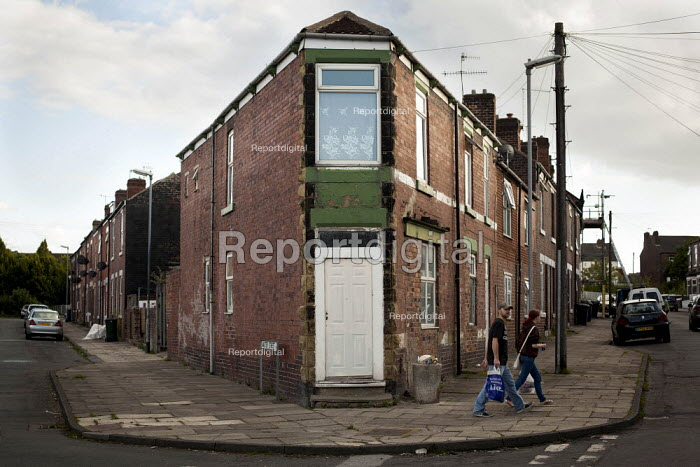 Housing in Kimberworth, an Asian area. Kimberworth, Rotherham, South Yorkshire. - Connor Matheson - 2014-08-28