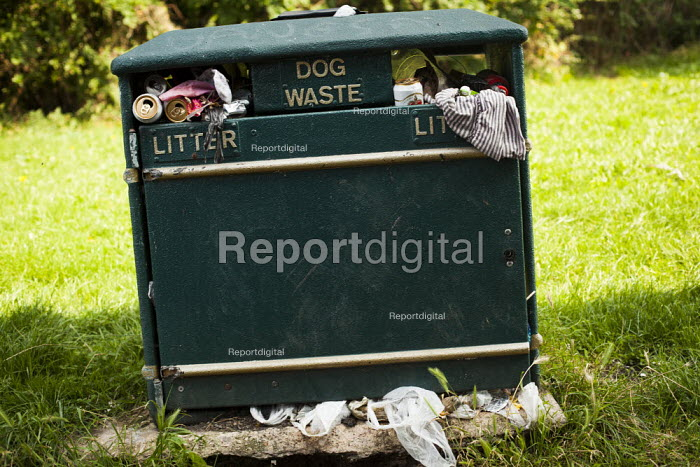Over flowing dog waste litterbin, Eastwood, Rotherham, South Yorkshire. - Connor Matheson - 2014-09-05