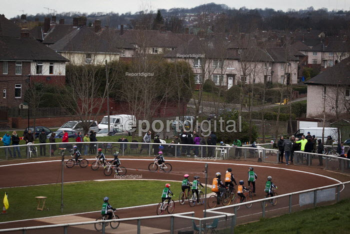 Sheffield Cycle Speedway Club. A cycling race, Cookson park Shirecliffe, Sheffield, South Yorkshire. - Connor Matheson - 2015-03-15