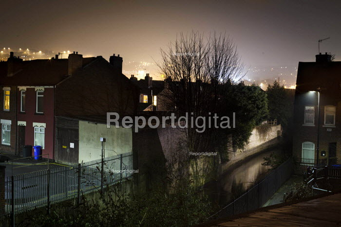 A view of housing by the canal. Highfield, Sheffield, South Yorkshire.. - Connor Matheson - 2015-03-17