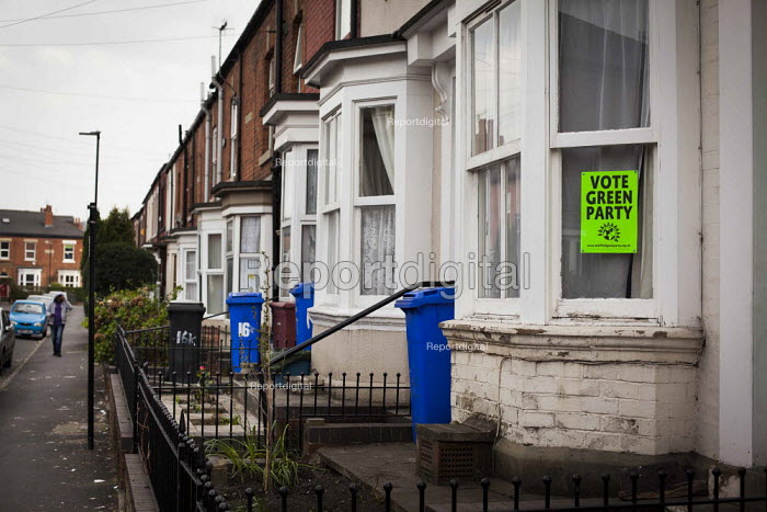 Vote Green Party posters on display, Nether Edge, Sheffield, South Yorkshire. - Connor Matheson - 2015-04-16